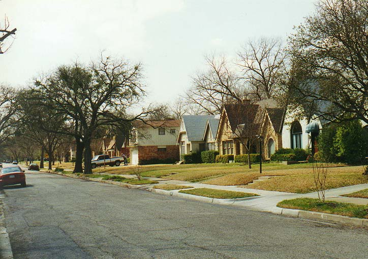 Dallas 96 - east to the campus