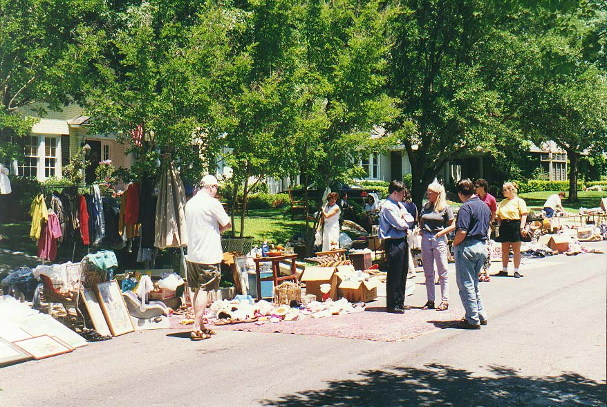 garage sale on Cragmont St. in Highland Park