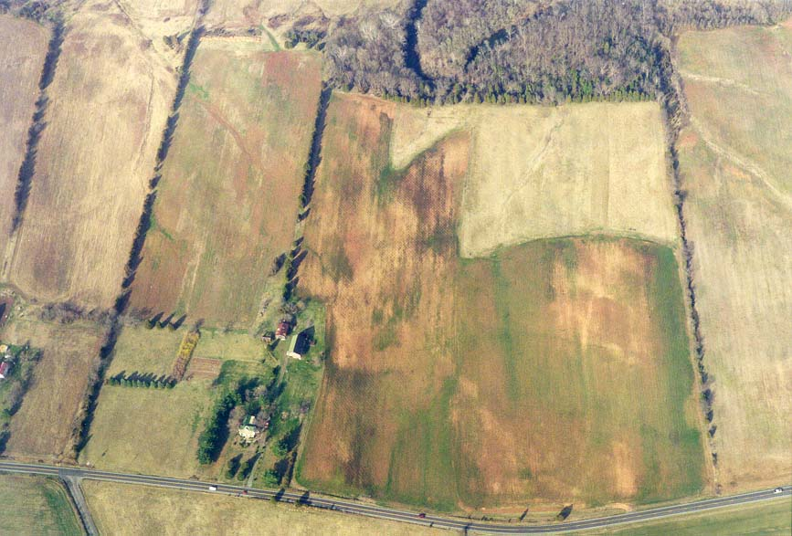 An estate in Virginia from a plane Indianapolis-Washington