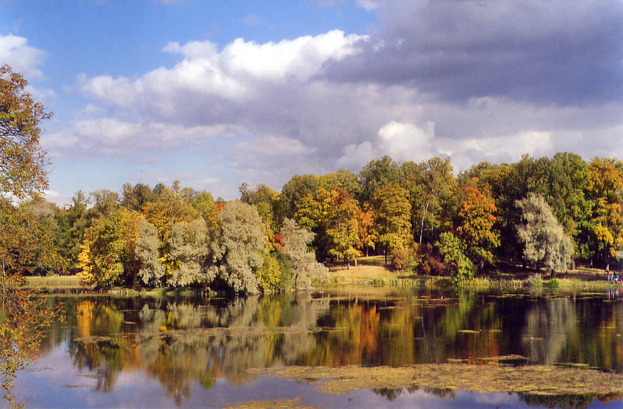 White Lake in the park of Gatchina, a former Tsar...near St.Petersburg. Russia 2002