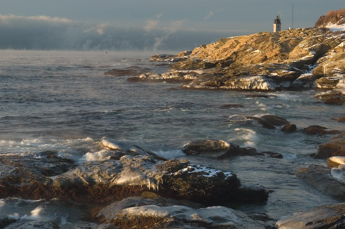 Beavertail Point in Conanicut Island, after sunrise. Jamestown, Rhode Island