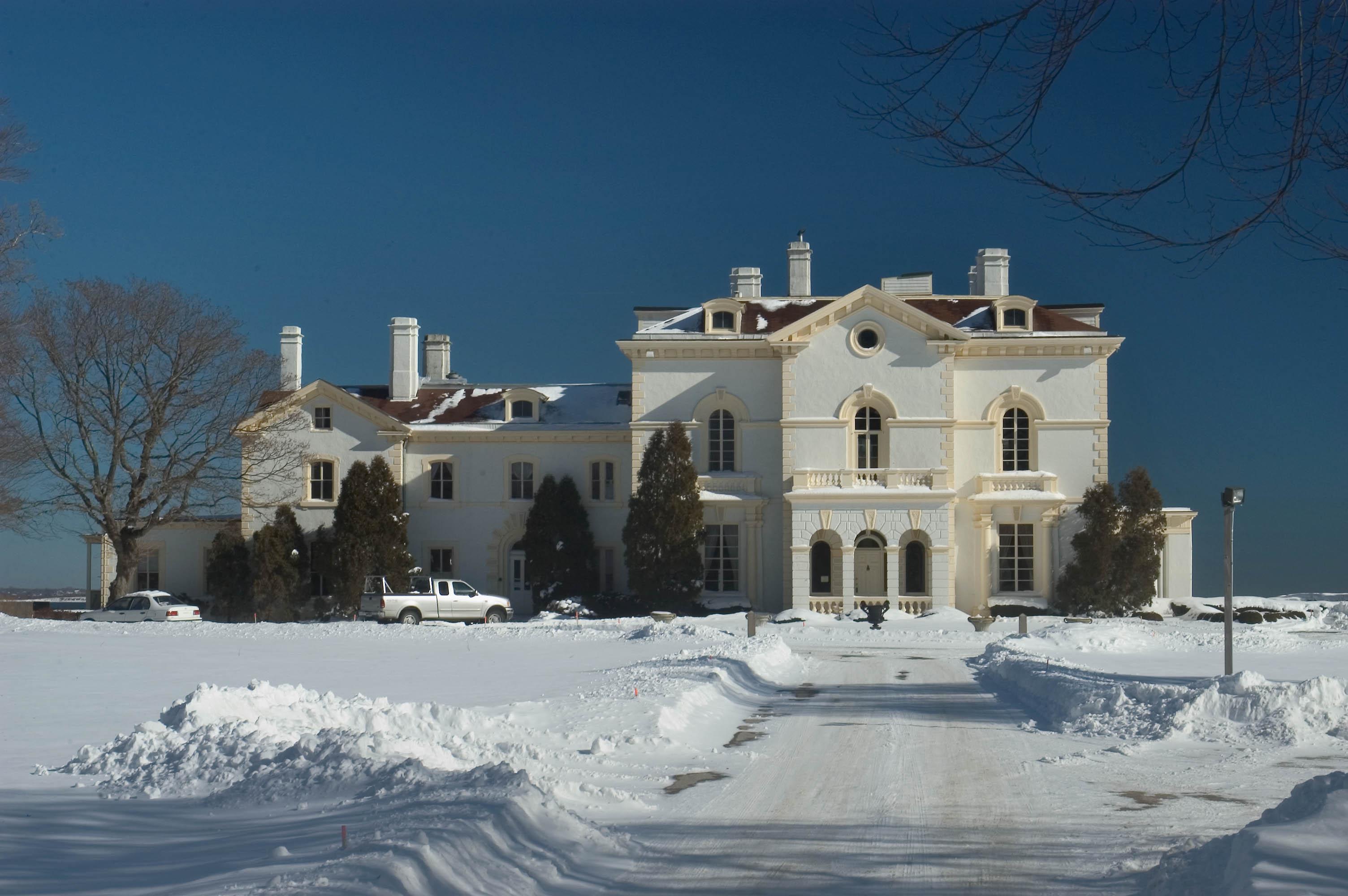 Photo 435 06 mrs astor 39 s beechwood mansion on bellevue for The beechwood