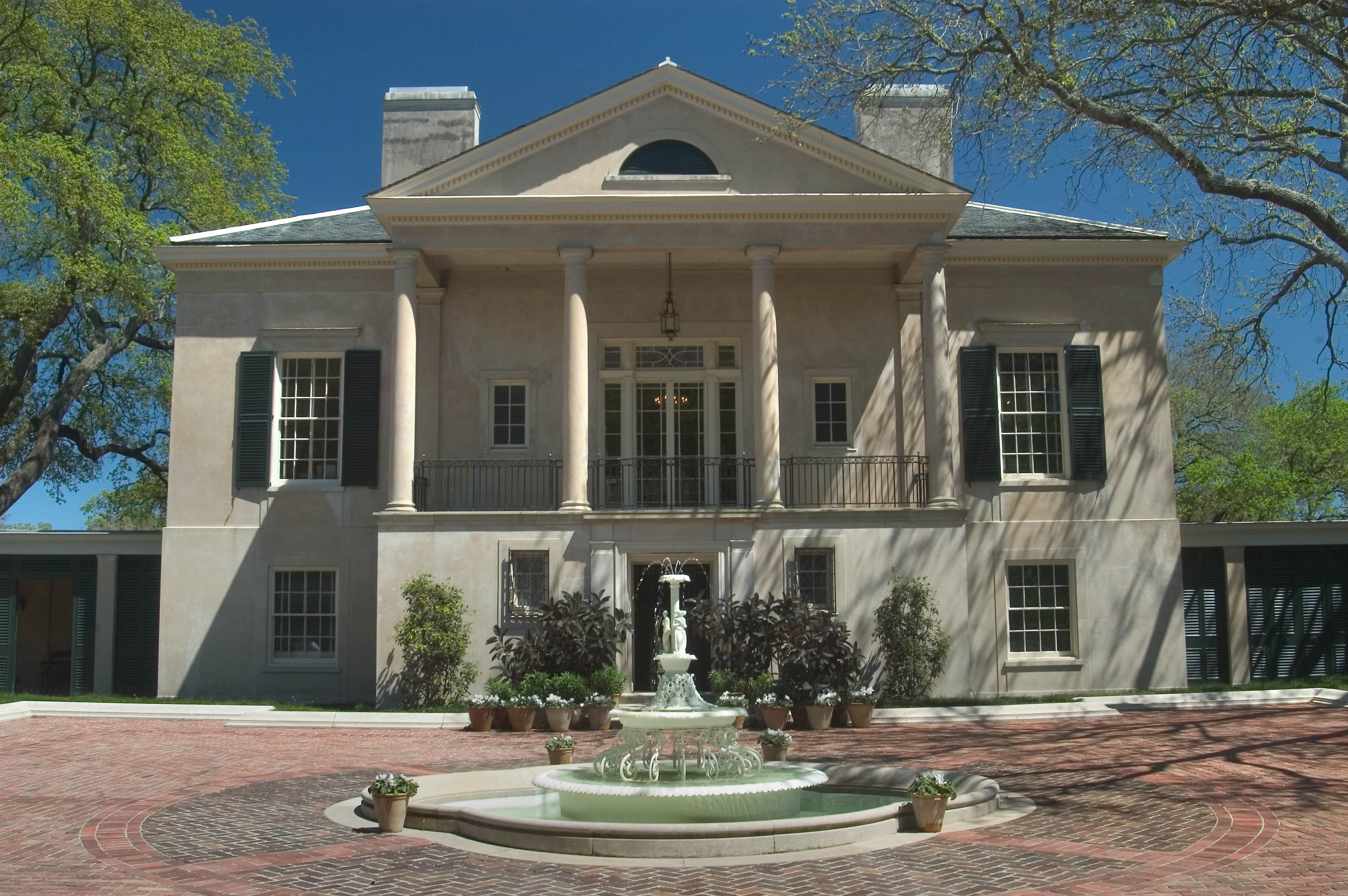 Forecourt Of Longue Vue House New Orleans Louisiana April