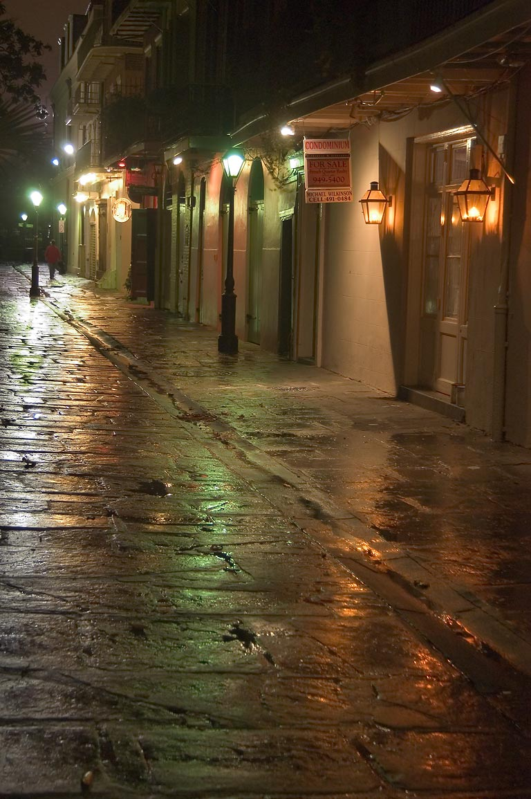 Pirates Alley, looking from Royal St. toward...French Quarter. New Orleans, Louisiana