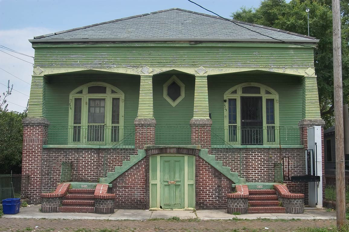 A house at 2711-2713 Burgundy St. in Faubourg Marigny. New Orleans, Louisiana