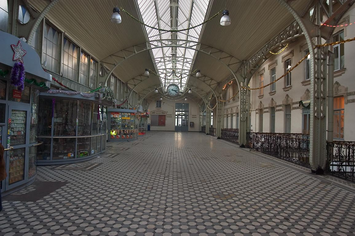 A hall in Vitebsky Vokzal train station. St.Petersburg, Russia