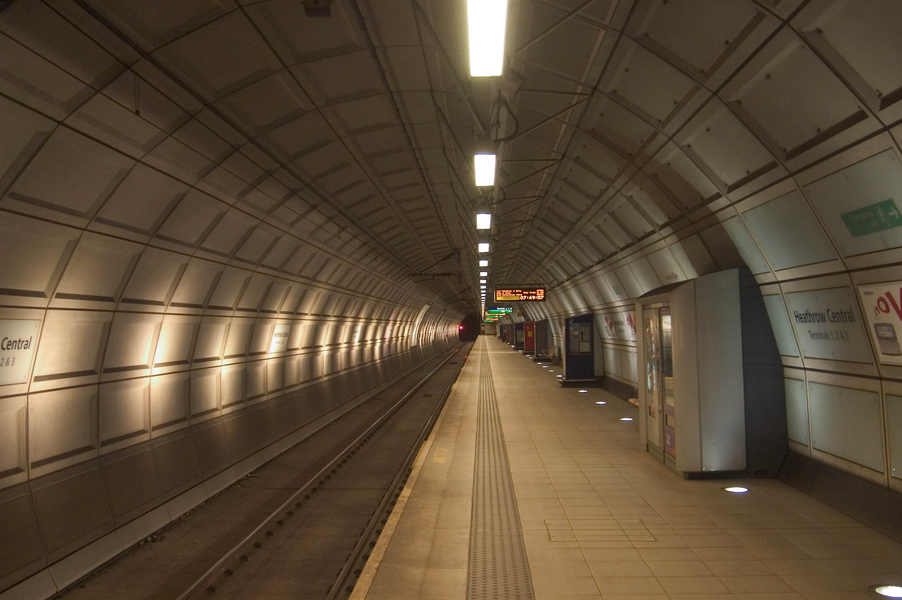 london heathrow station
