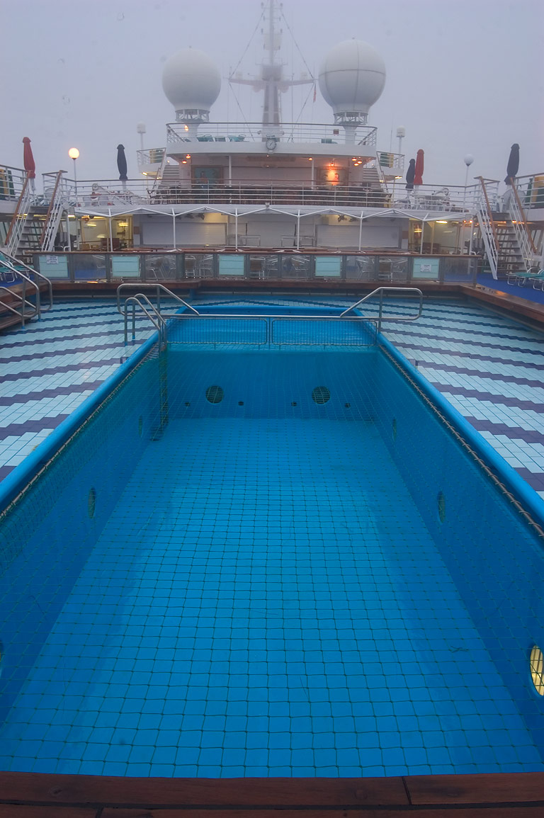 Cruise ship swimming pool search in pictures for River cruise ships with swimming pool