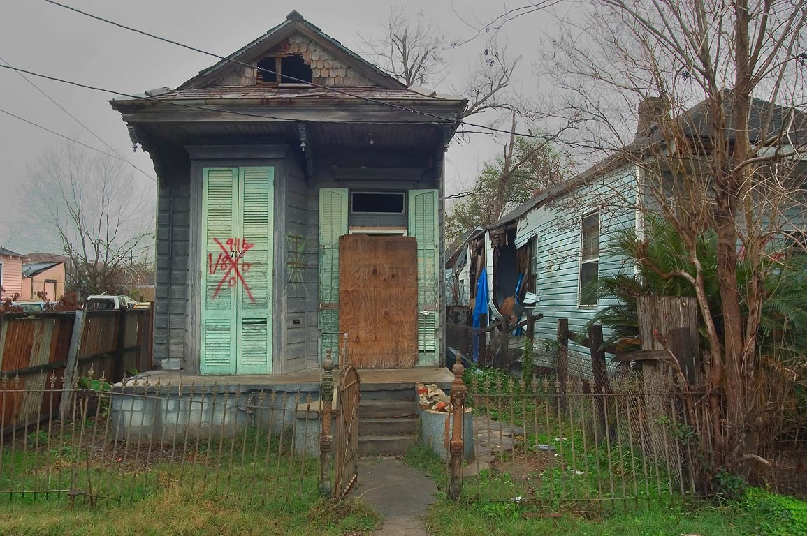 Abandoned new orleans search in pictures for Classic house 2006