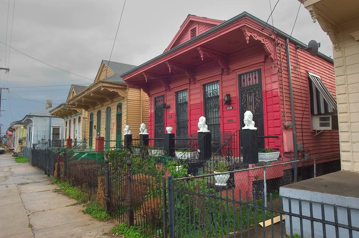 Second St. near Loyola St.. New Orleans, Louisiana