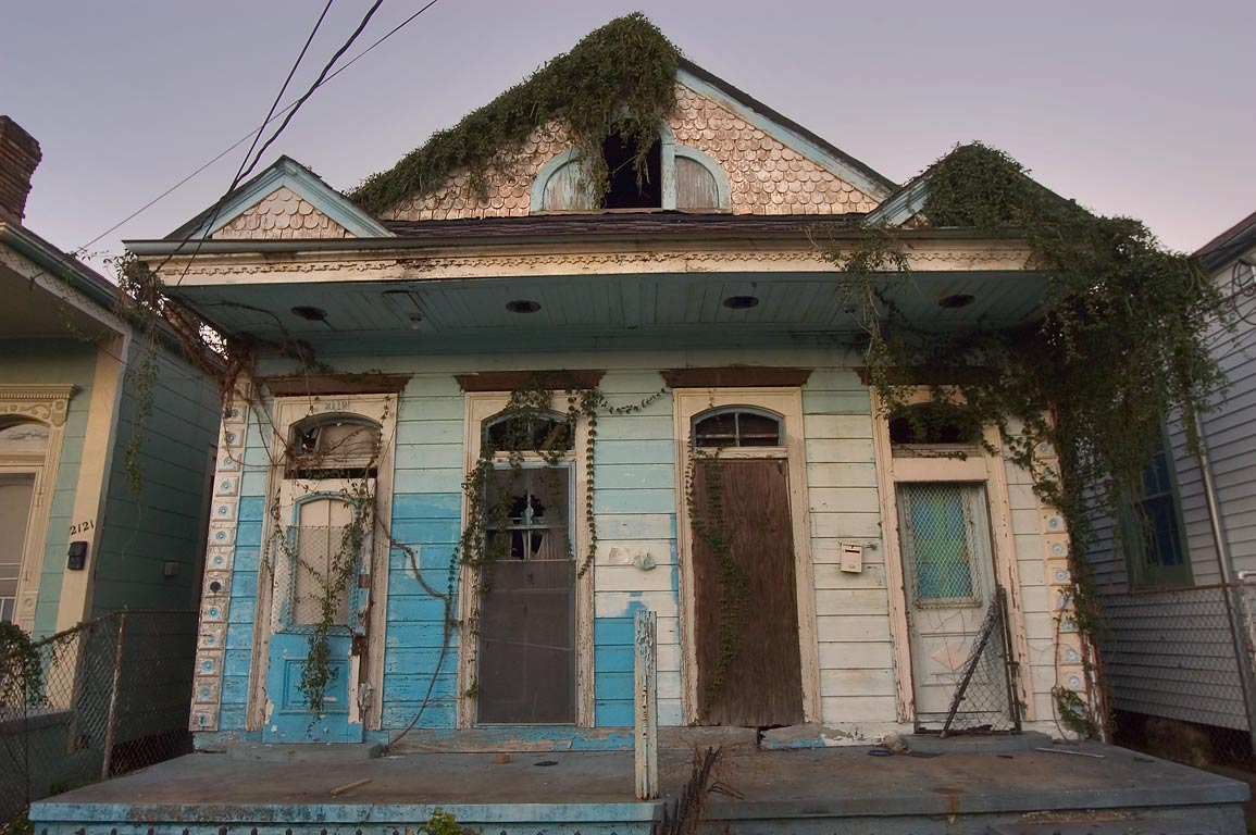 Abandoned house at Carondelet Street. New Orleans, Louisiana