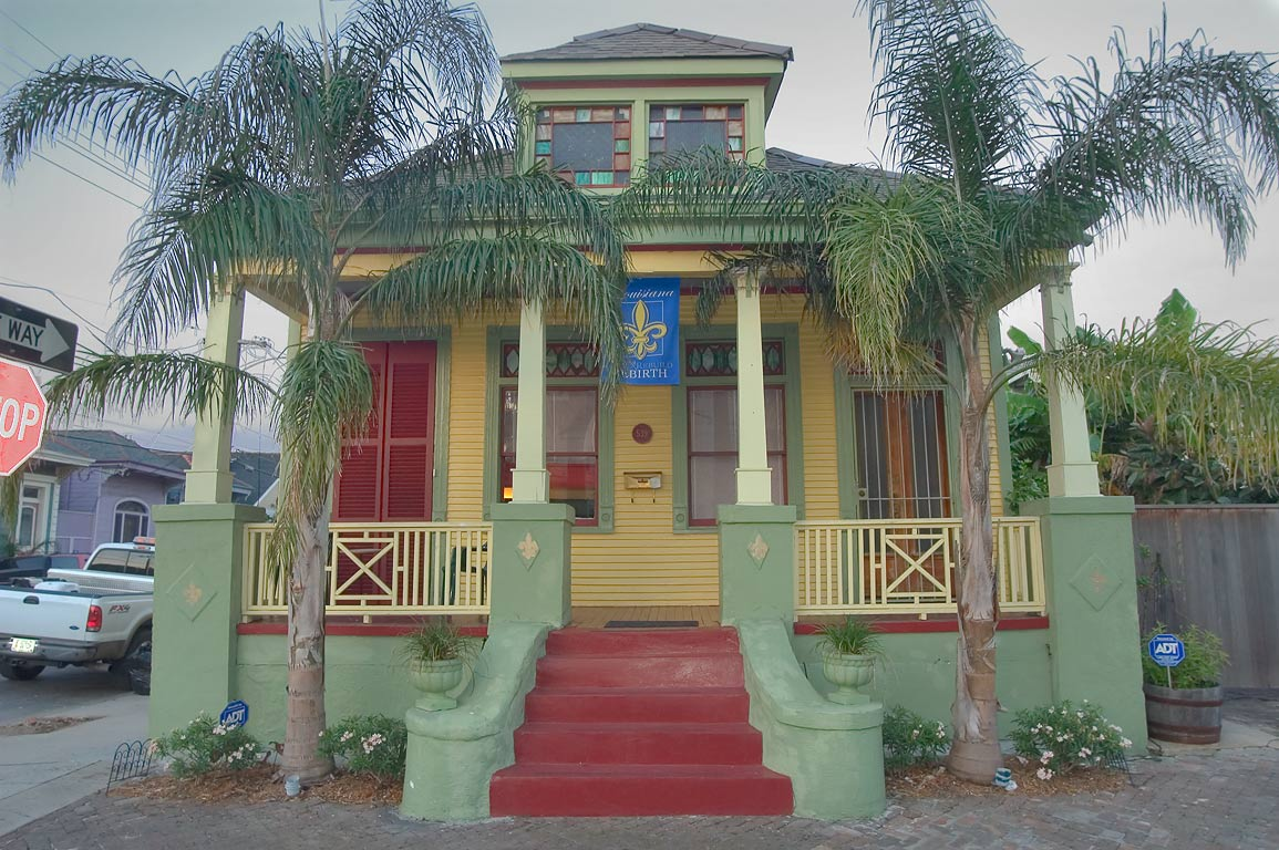 539 Mandeville St., a corner of Chartres St. in Faubourg Marigny. New Orleans, Louisiana