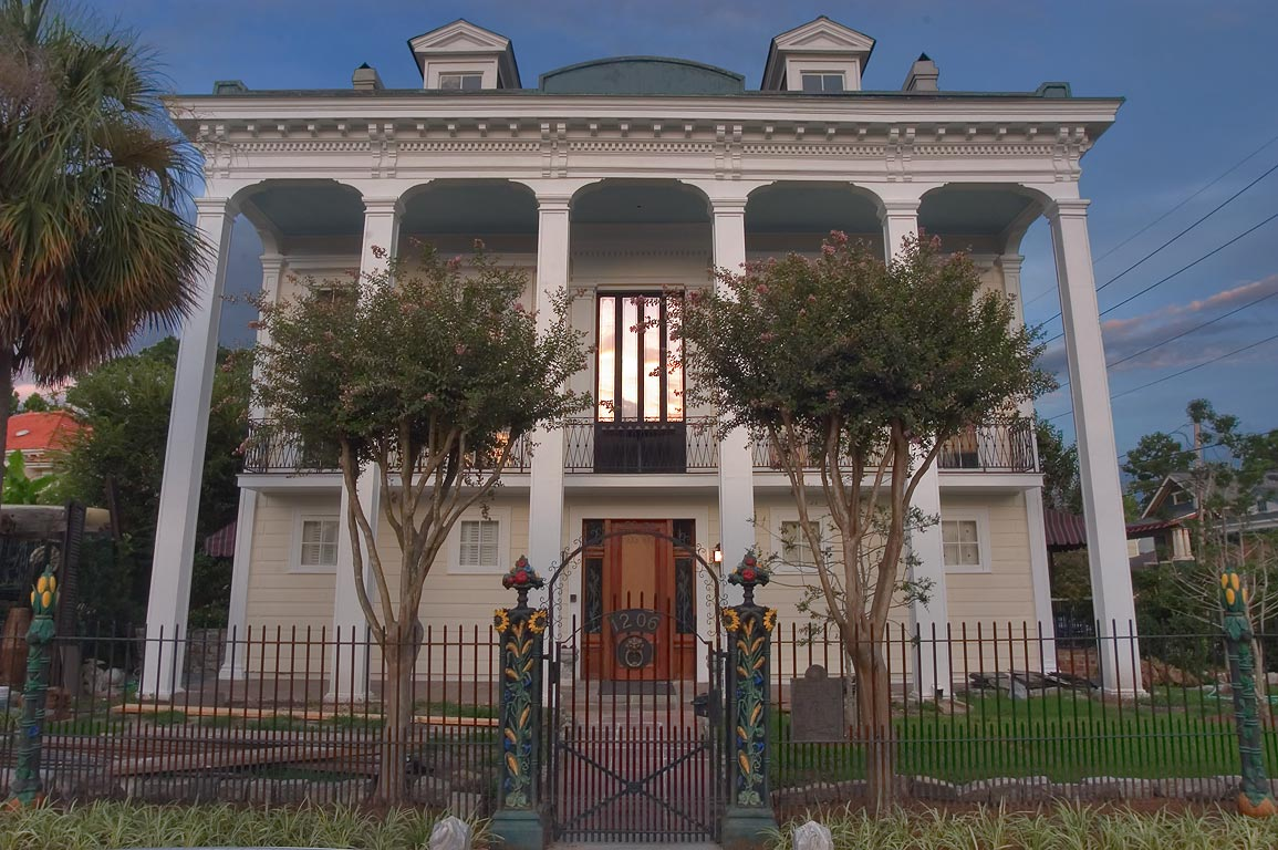 A mansion at 1206 Bell St., a corner of North...neighborhood. New Orleans, Louisiana