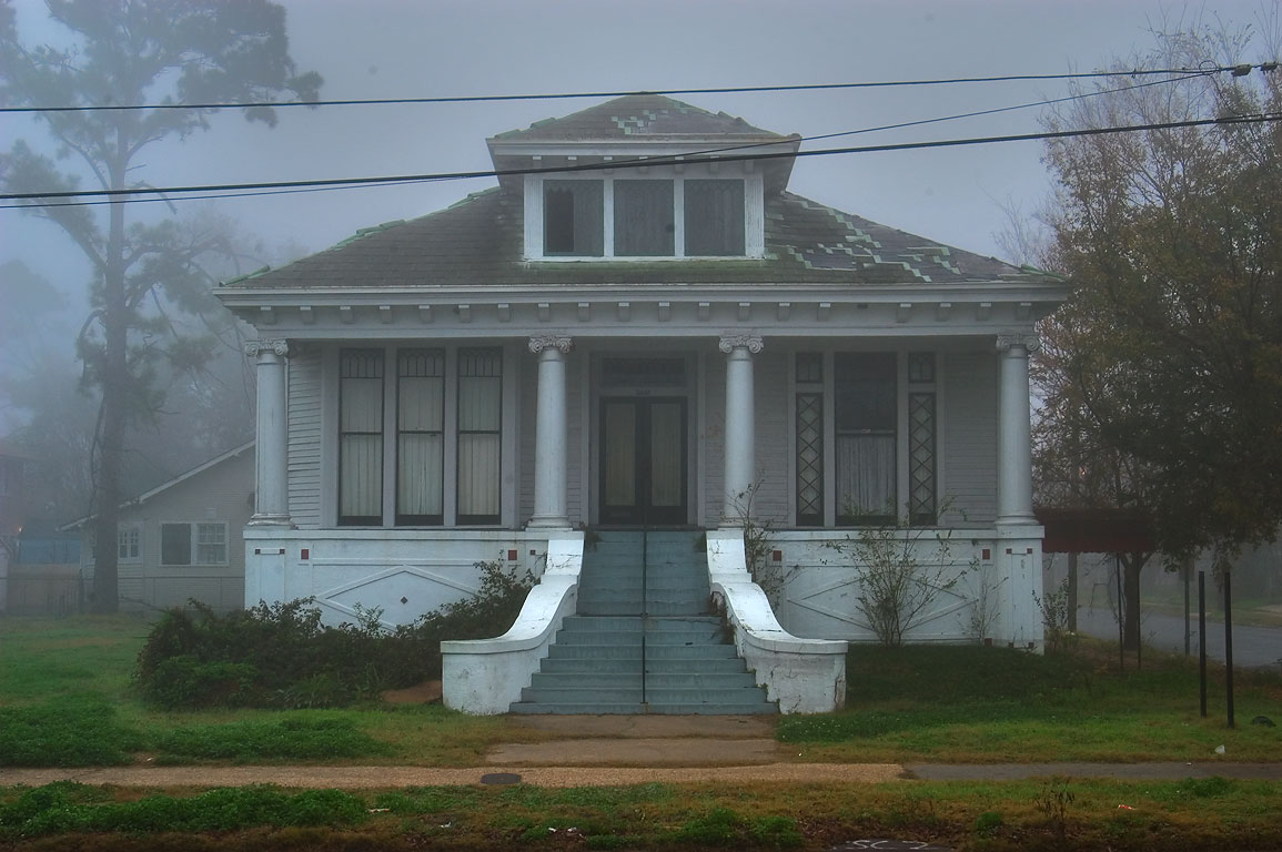 A house at 3003 South Carrollton Ave., near Walmsley Ave. in fog. New Orleans, Louisiana