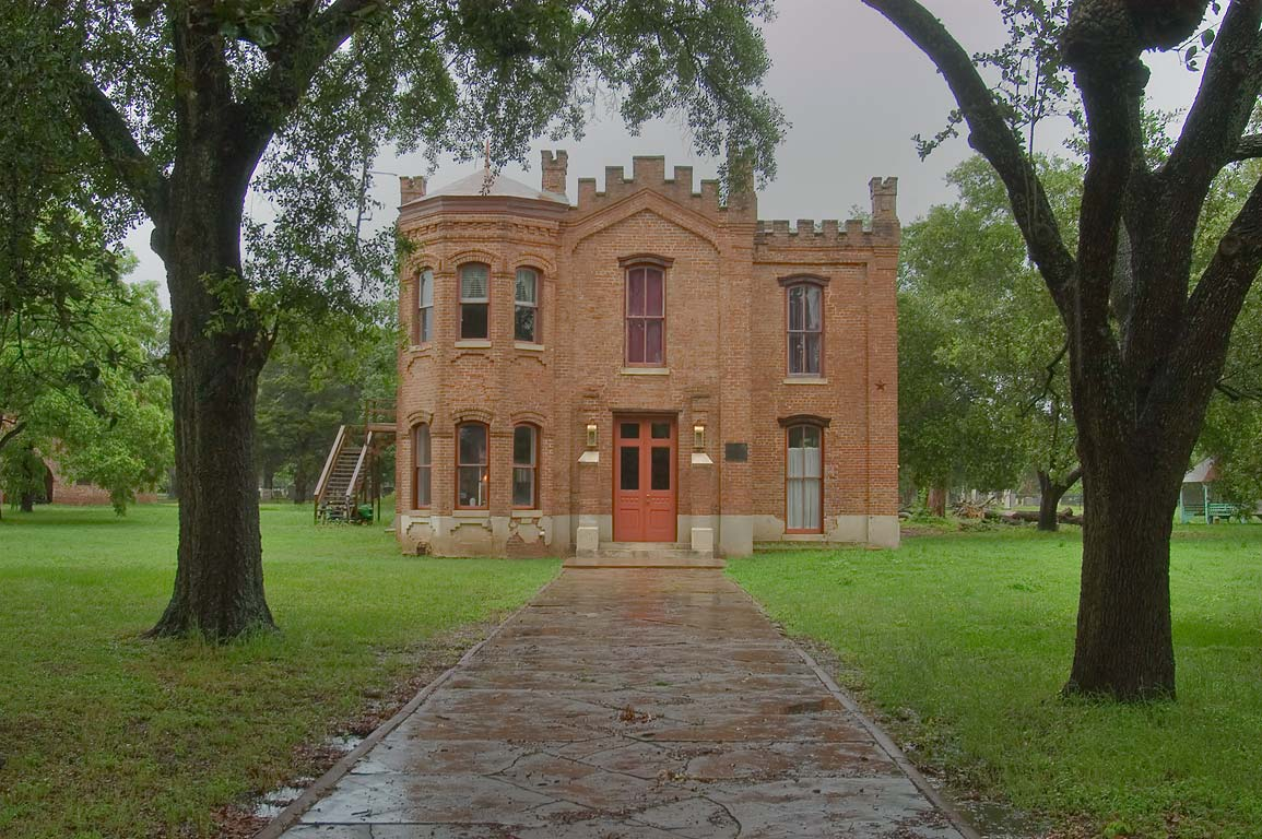 Hammond House, a former courthouse and jail, at 604 Elm St.. Calvert, Texas