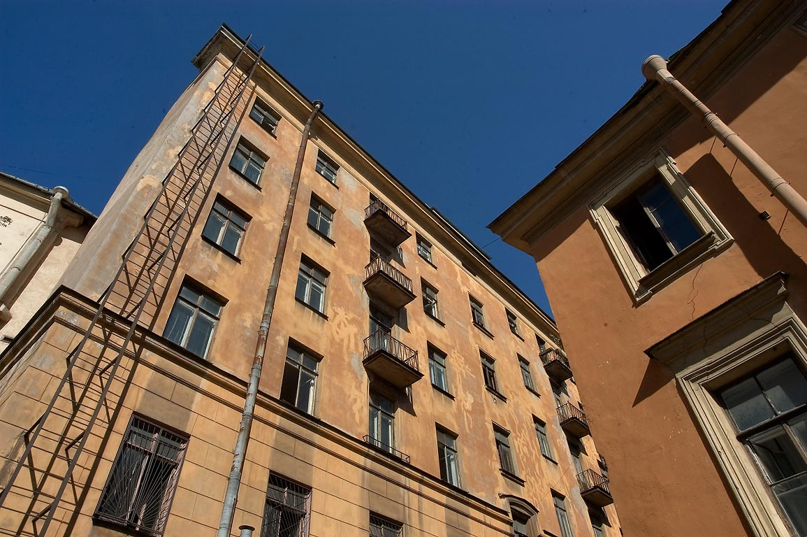 A yard on Shpalernaya St. opposite to Bolshoy Dom. St.Petersburg, Russia