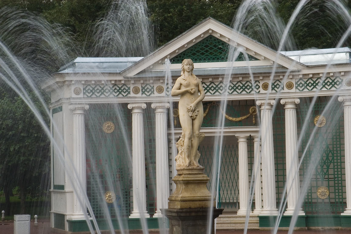 Eve Fountain. Peterhof, a suburb of St.Petersburg, Russia