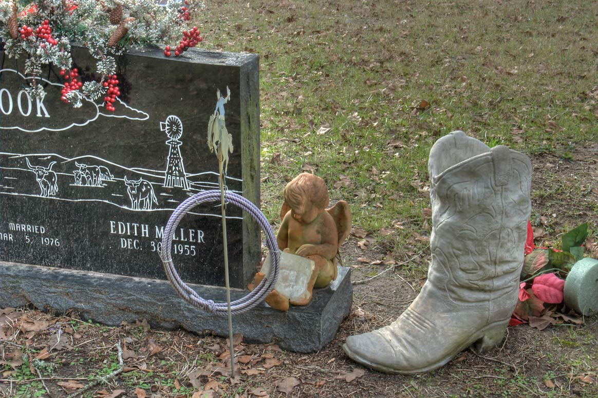 Cowboy boots and lasso on a tomb of Edith Miller...Weedon Rd.. College Station, Texas