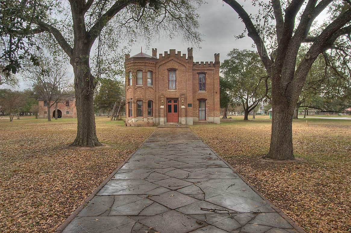 Hammond House, a former courthouse, at 604 Elm St.. Calvert, Texas