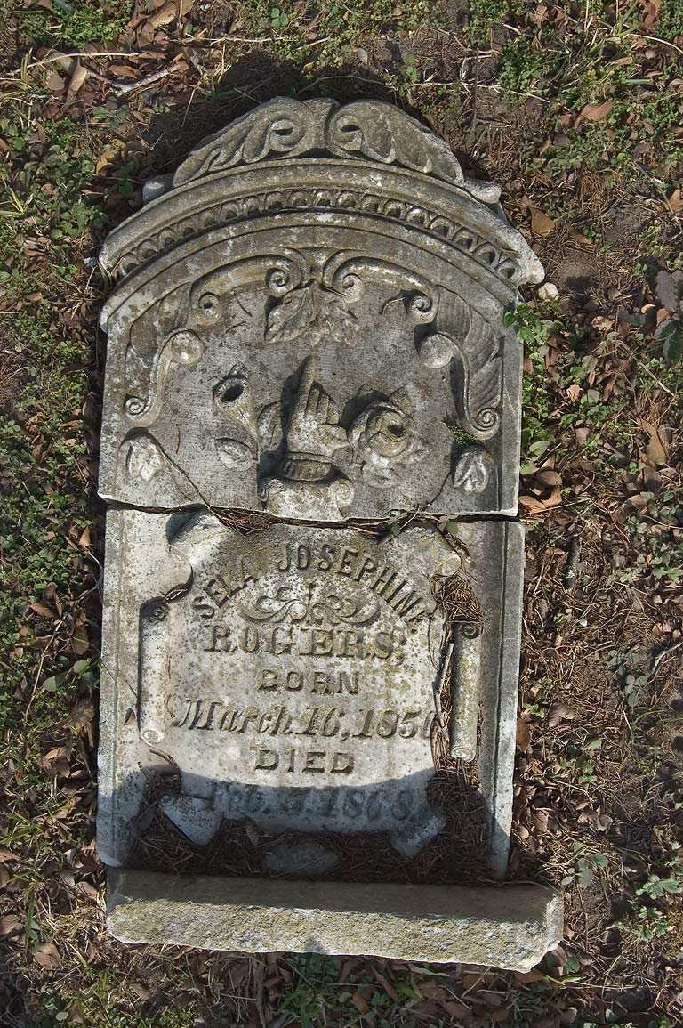 Tombstone of Sela Josephine Rogers (1850-1868) in Odd Fellow Cemetery. Anderson, Texas