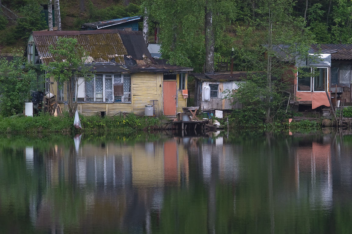 Beloe (Valkijarvi) Lake and summer houses (Dachas...miles north from St.Petersburg. Russia