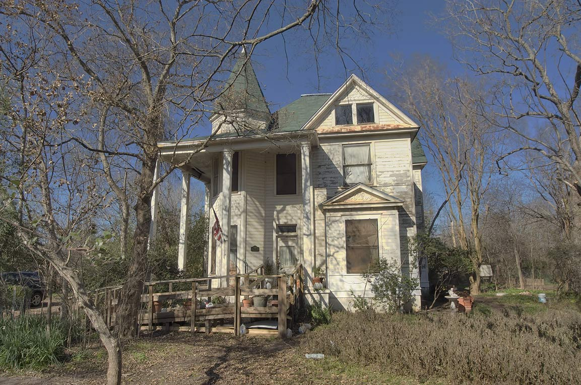 Cottage at 201 East Browning St. (FM 979), a corner of Railroad St.. Calvert, Texas