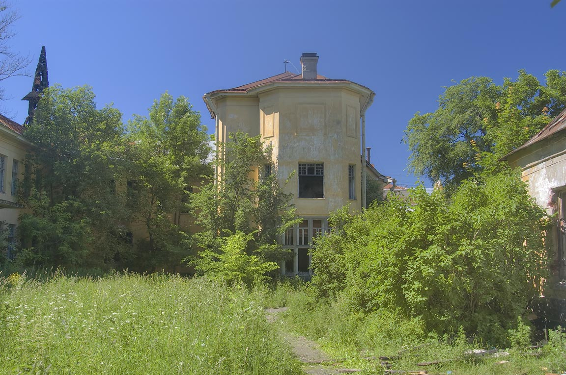 Overgrown estate of Admiral M. P. Lazarev, now...a suburb of St.Petersburg, Russia
