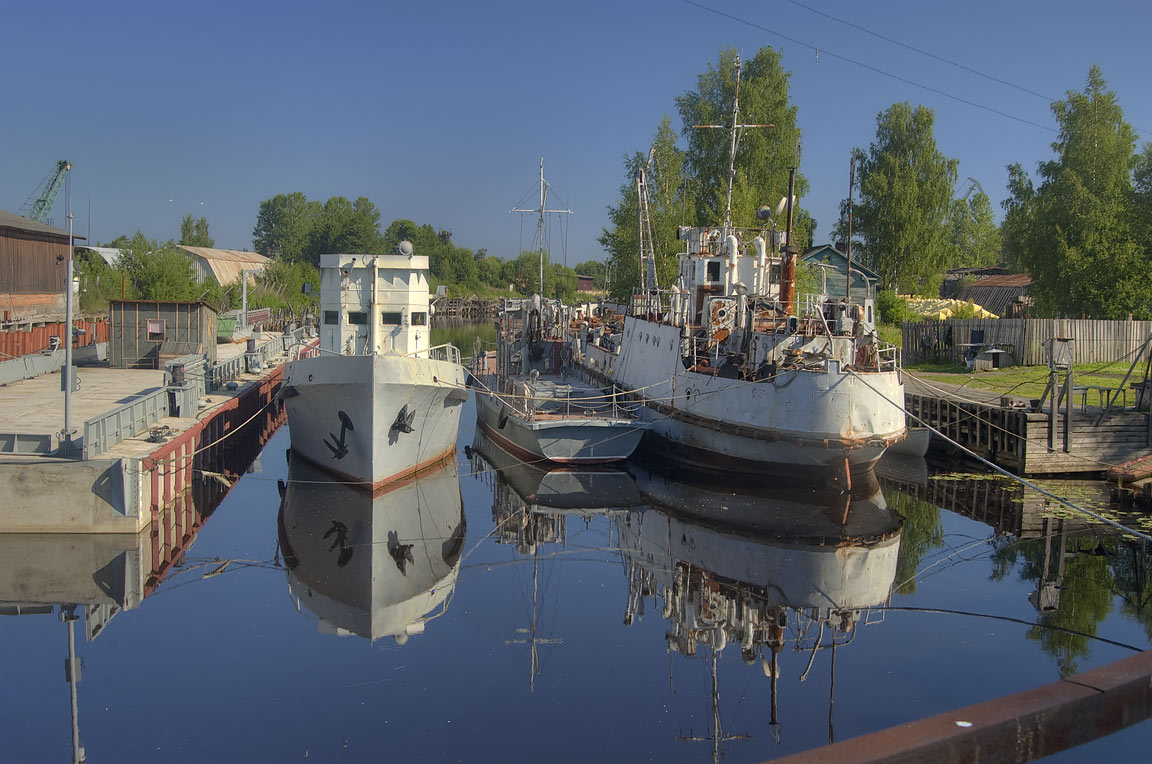 Naval ships in Shliupochny Canal, view from...a suburb of St.Petersburg, Russia