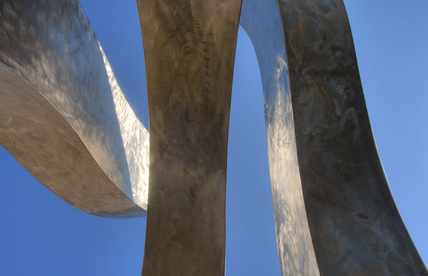 Menos stainles steel sculpture by Hans Van de...M University. College Station, Texas