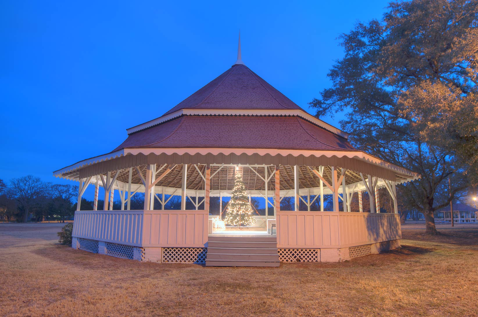 Gazebo-style octogonal bandstand (1895) (Karen...Park at early morning. Calvert, Texas
