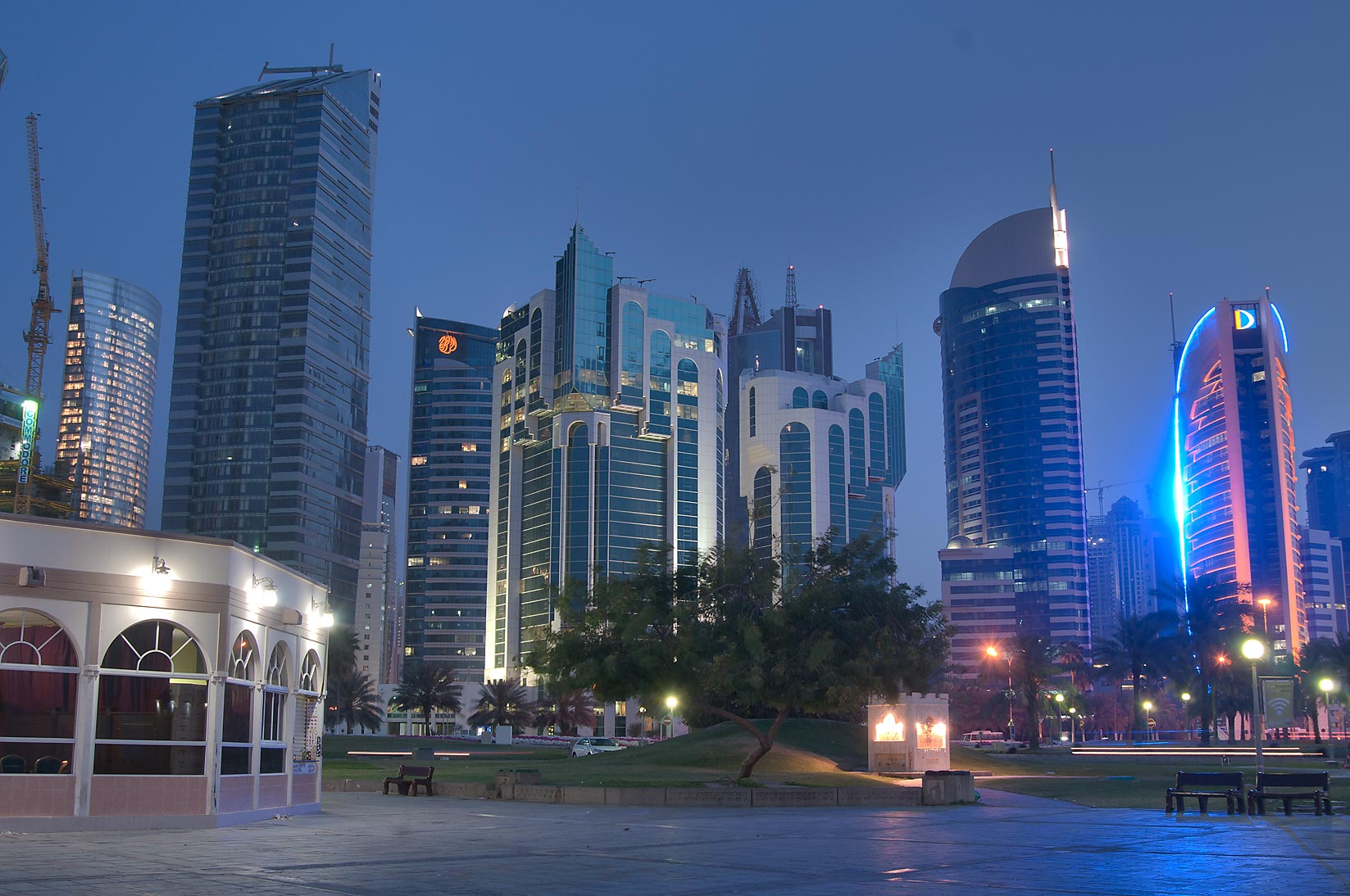 Cafeteria Ras Al Sho and Sheraton Park from seafront promenade. Doha, Qatar