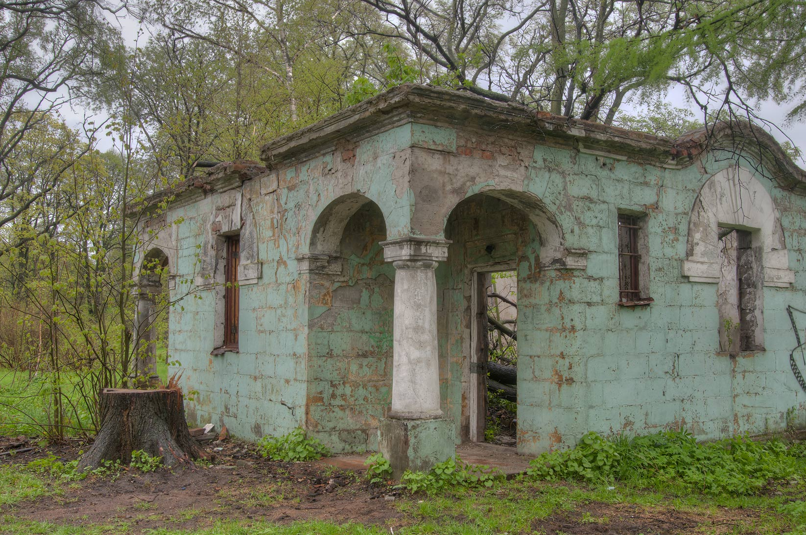 Ruins of old stone restroom in Botanic Gardens of...Institute. St.Petersburg, Russia
