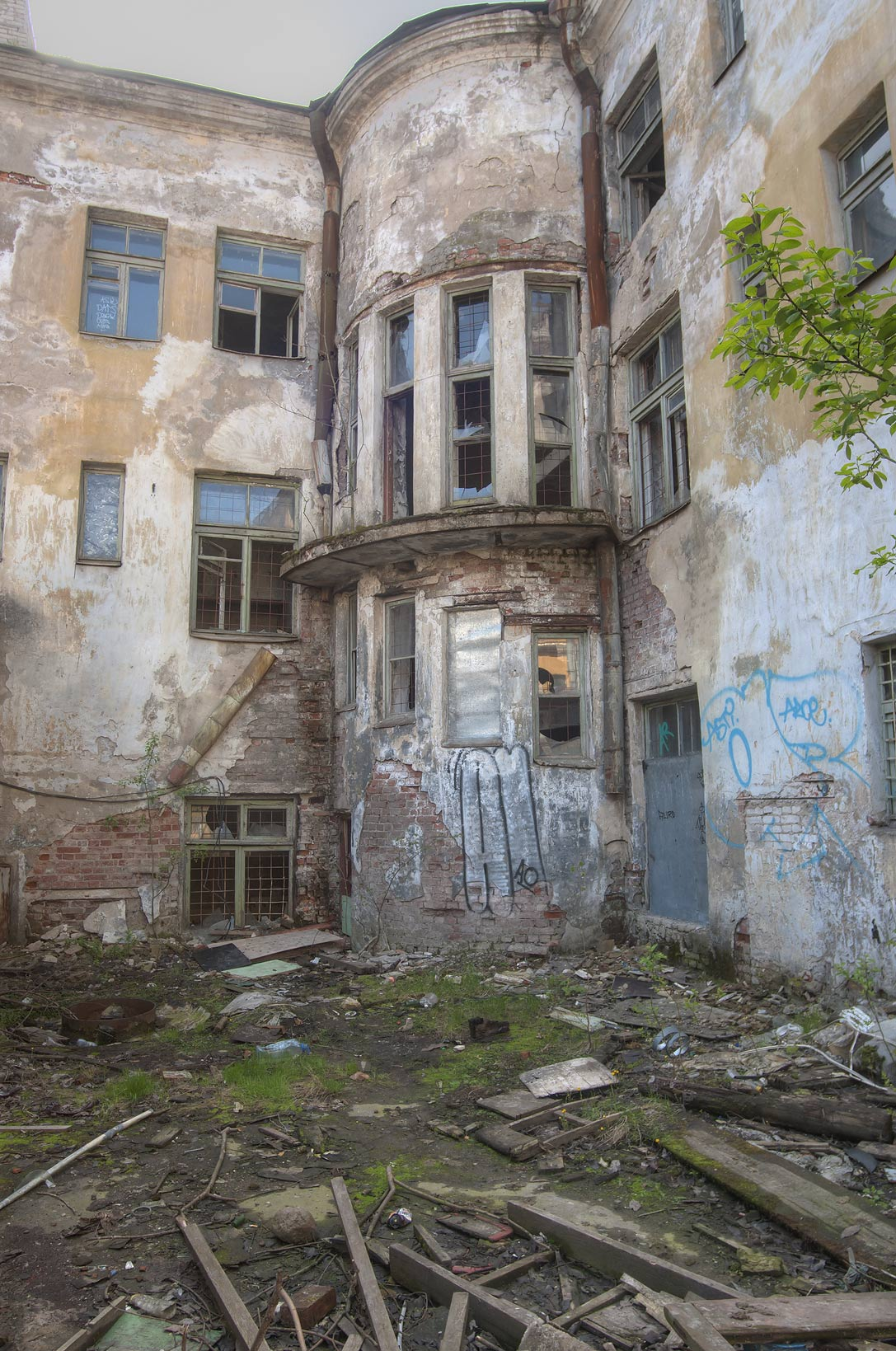 Abandoned courtyard on Krepostnaya St.. Vyborg, Russia