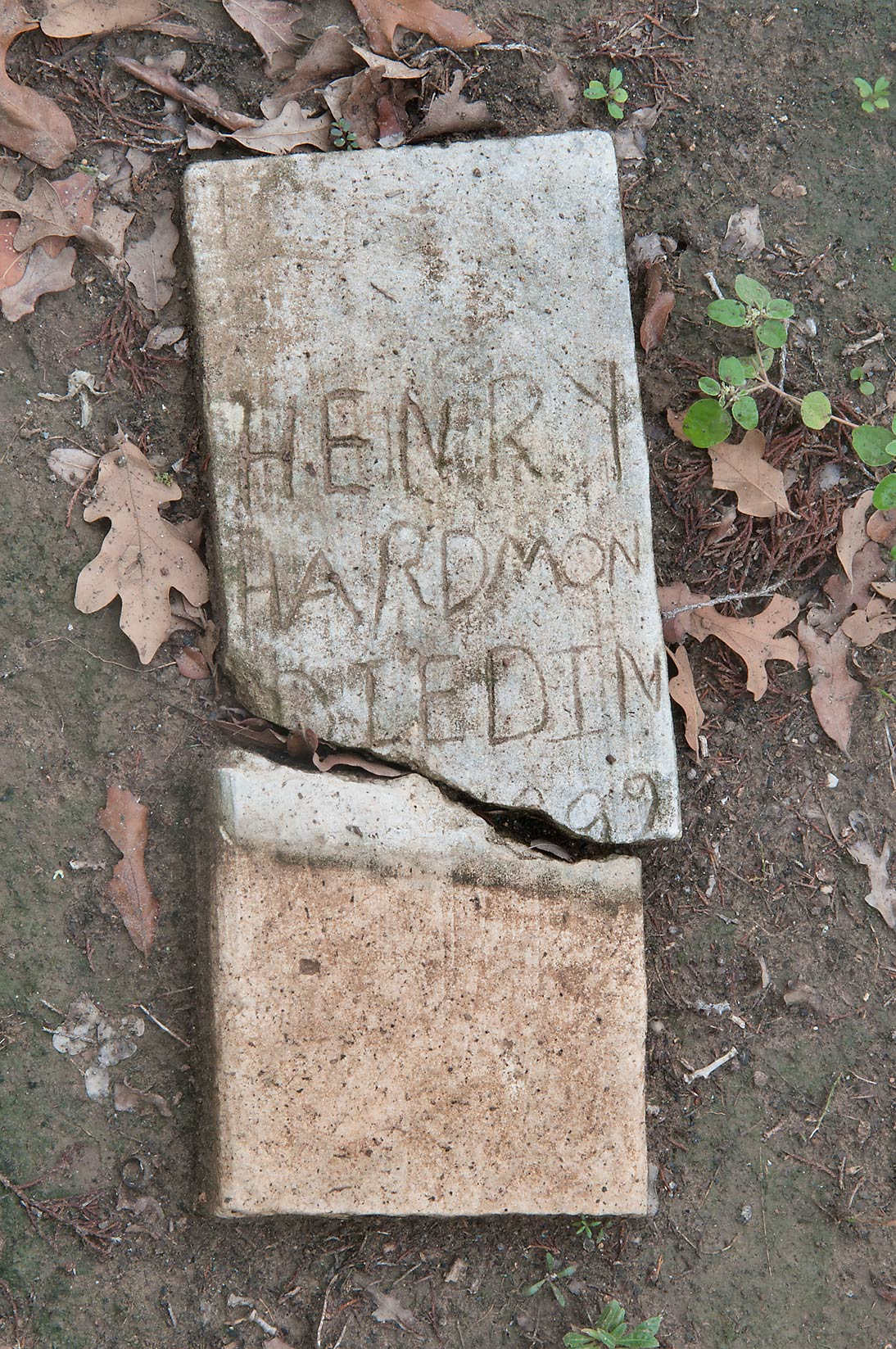 Tombstone of Henry Hardmon (died in negro section...Camp Swift north from Bastrop. Texas
