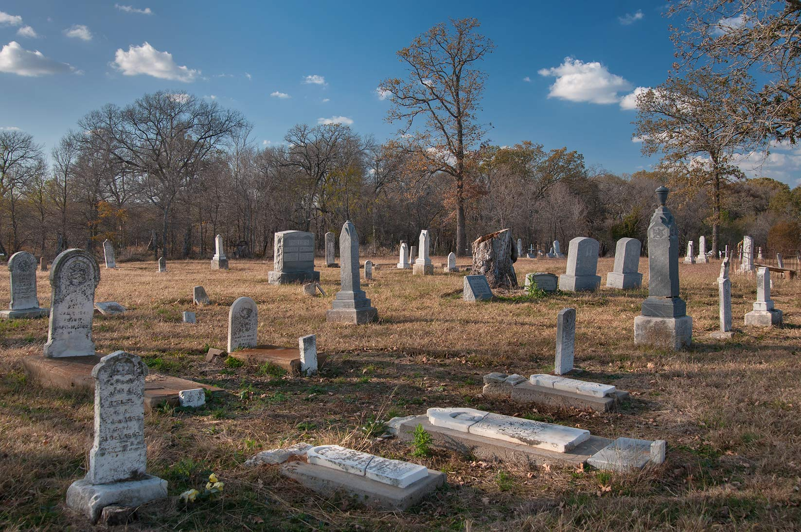 Murray Cemetery at Rd. FM 487 north from Rockdale. Texas