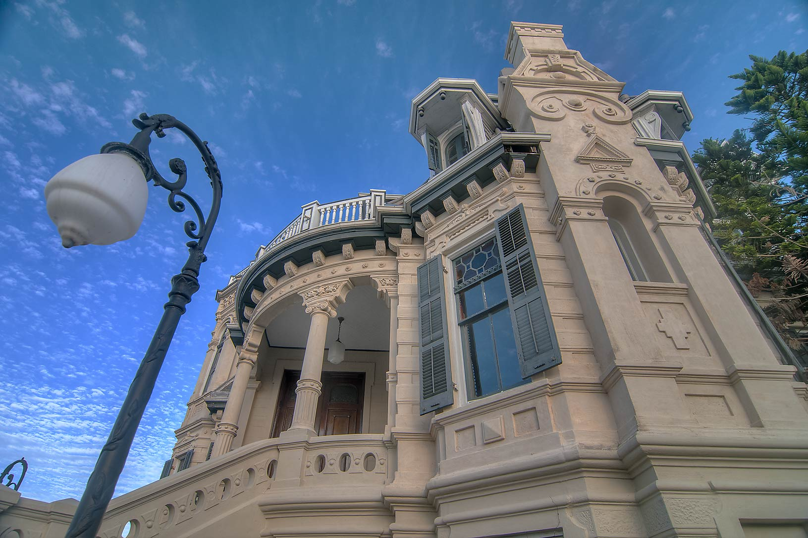 Fragment of Trube Castle (1890) at 1627 Sealy St., a corner of 17th St.. Galveston, Texas