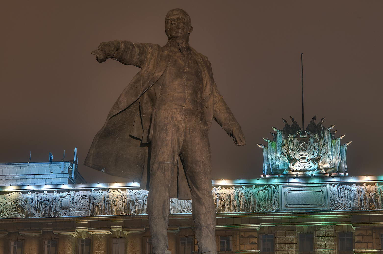 Monument of Russian revolutioner V. I. Lenin in...of Soviets. St.Petersburg, Russia