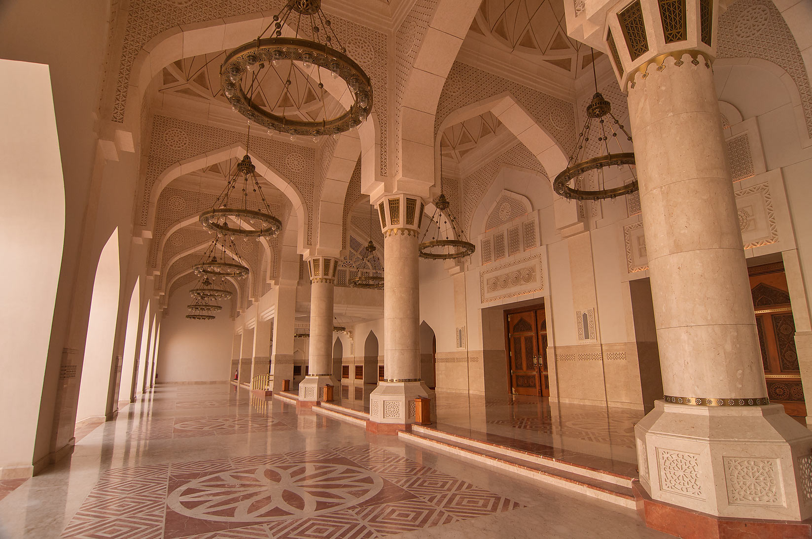 Succession of arches (arcade or riwaq) of State...Ibn Abdul Wahhab Mosque). Doha, Qatar