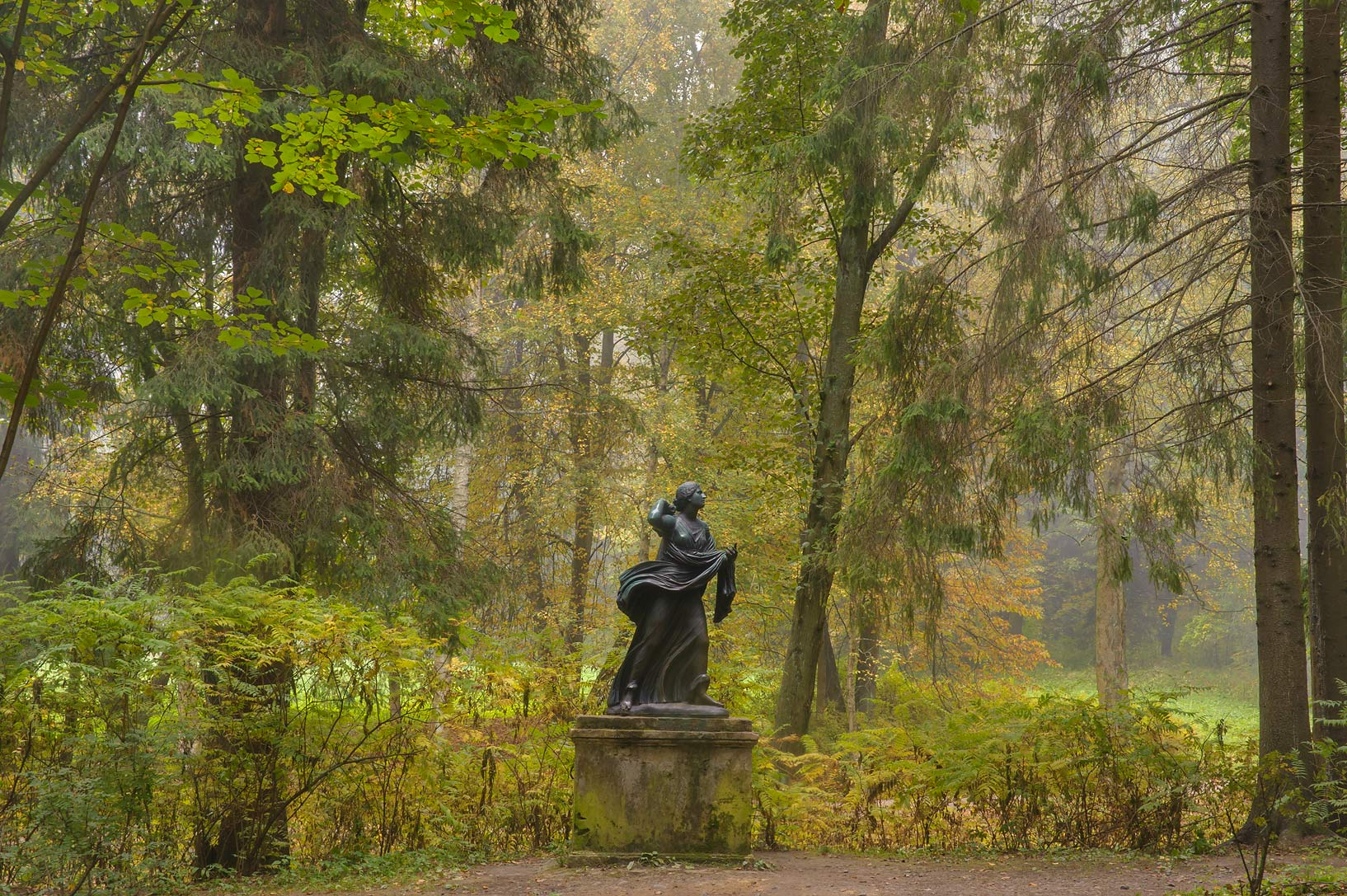 Statue of 9-th Parade Alley in Pavlovsk Park in...a suburb of St.Petersburg. Russia