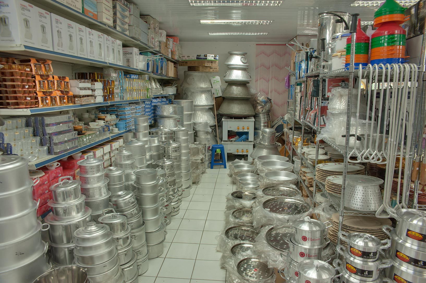 Aluminium kitchenware shop in Souq Waqif (Old Market). Doha, Qatar