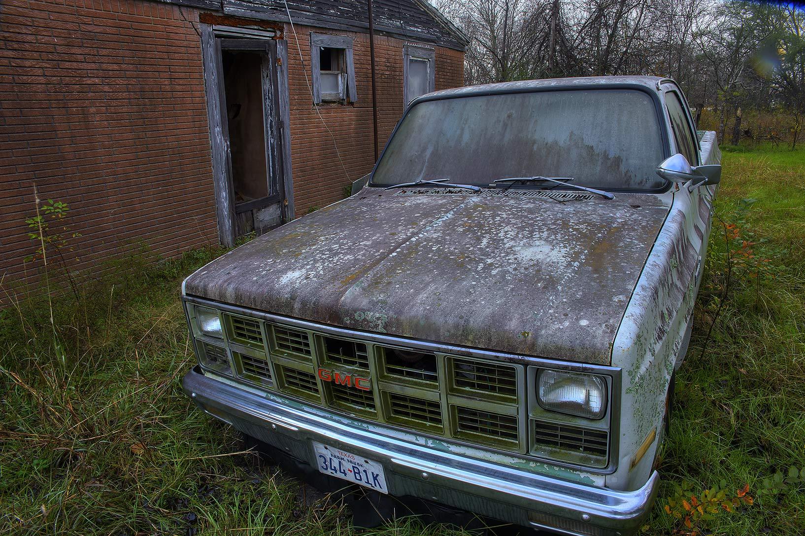 Photo 1315-28: Old GMC car near Rd. FM 39. North Zulch, Texas