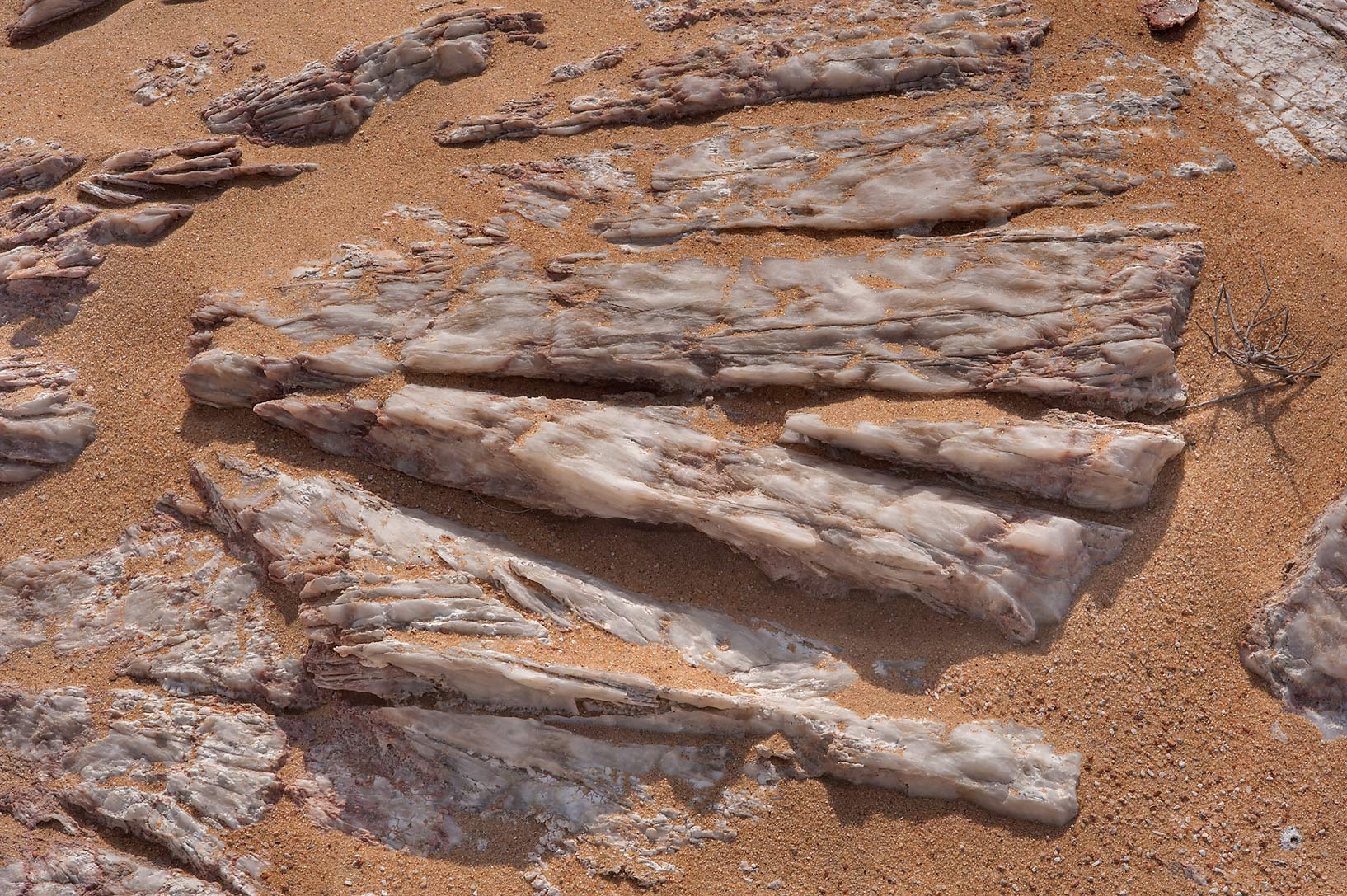Patterns of layers of gypsum crystals (selenite...Jebel Al-Nakhsh in south-western Qatar