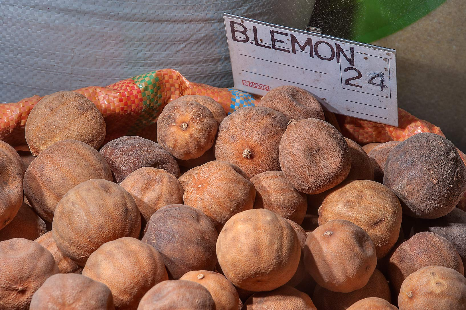 Dry lemons Blemon for sale in spice section of Souq Waqif (Old Market). Doha, Qatar