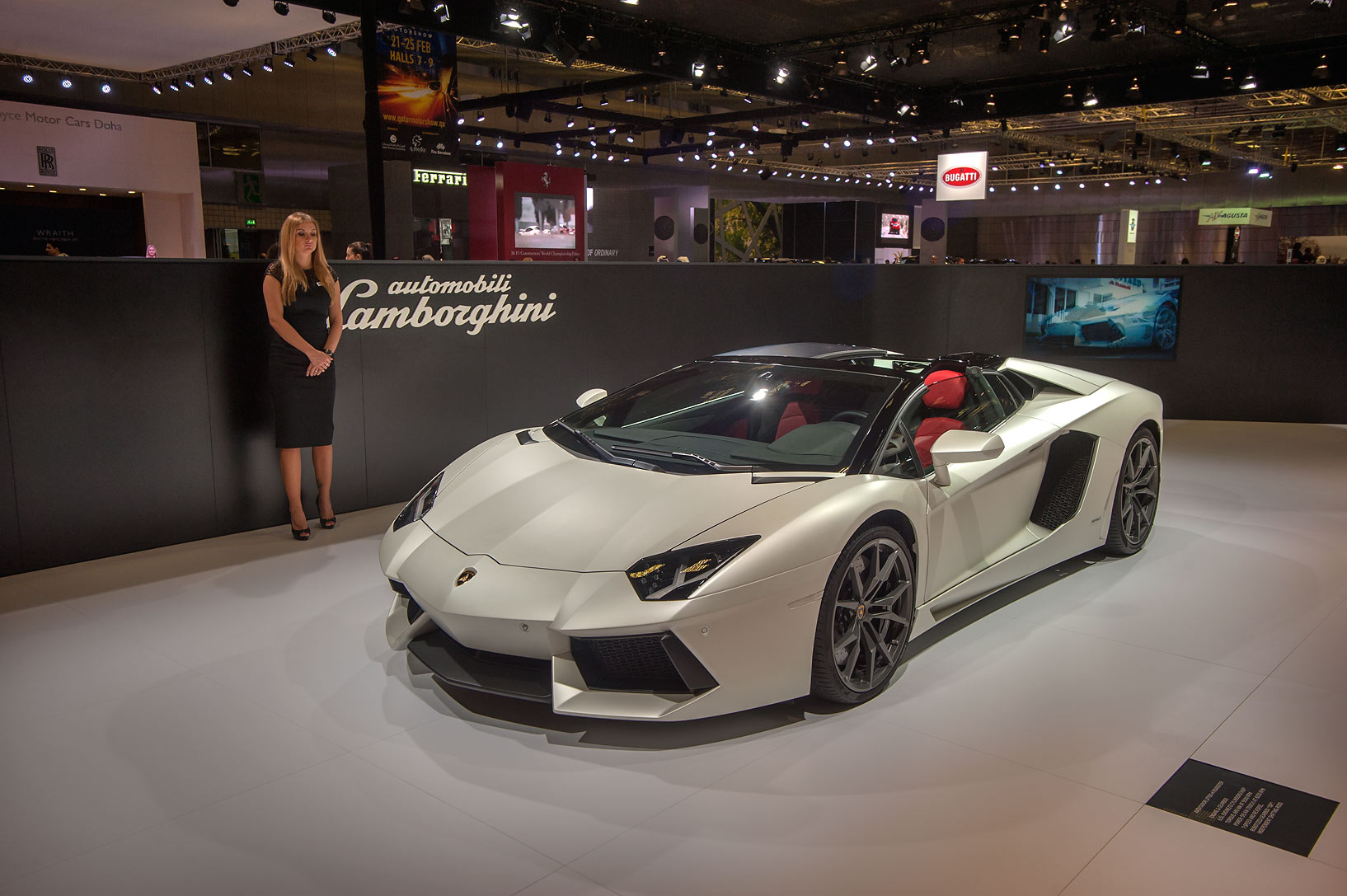 Photo 1358-12: White Lamborghini Aventador LP 700-4 ...