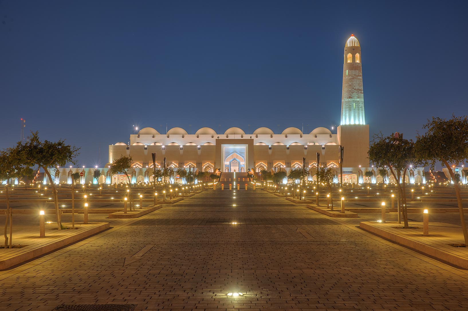 Entrance street of State Mosque (Sheikh Muhammad Ibn Abdul Wahhab Mosque). Doha, Qatar