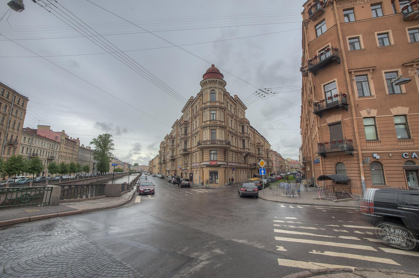 Area of Kokushkin Bridge near Griboedov Canal. St.Petersburg, Russia
