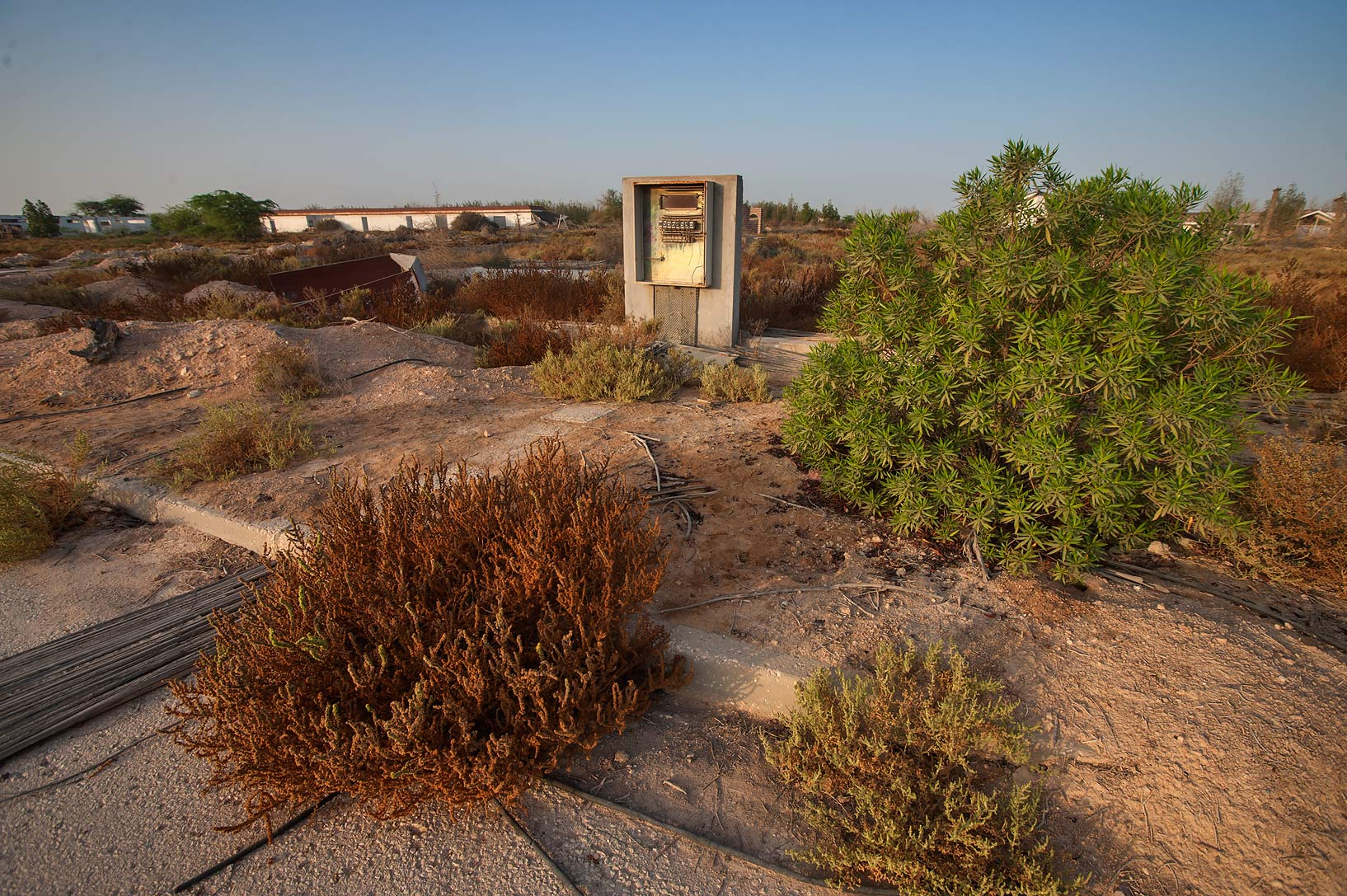 Abandoned electric shield in a village of Al...of Ras Laffan Farms. Northern Qatar