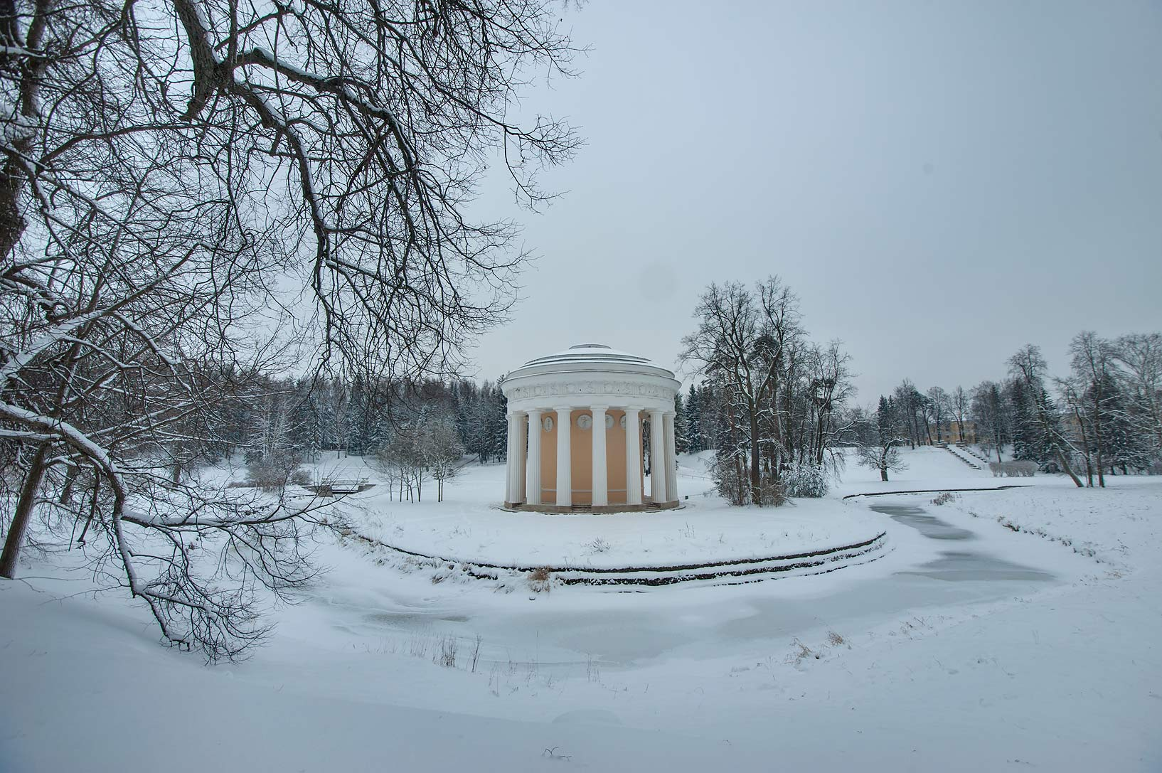 Frienship Temple in Pavlovsk Park. Pavlovsk, a suburb of St.Petersburg, Russia