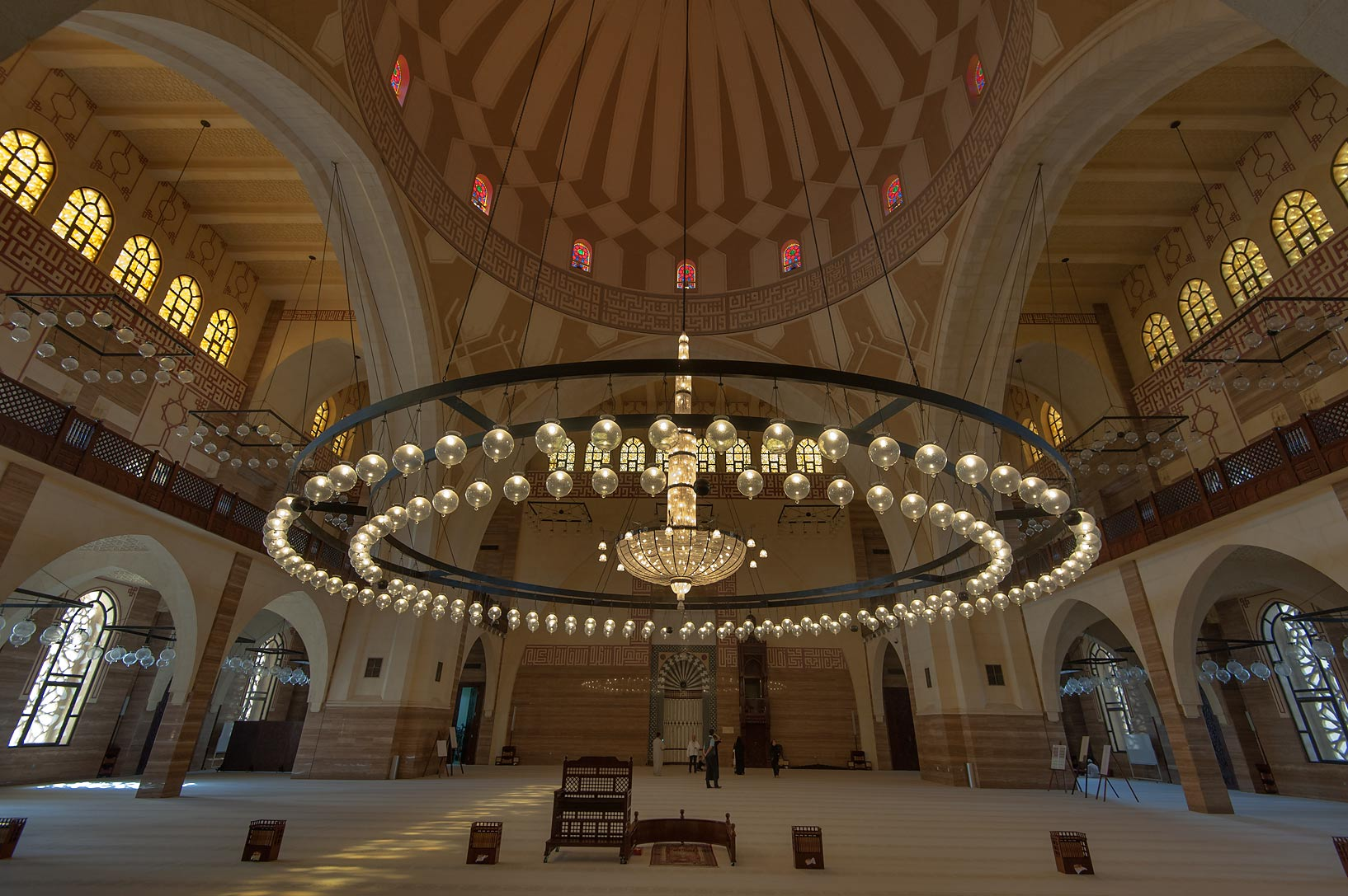 Photo 1543 01 Central Chandelier In Ahmed Al Fateh Mosque