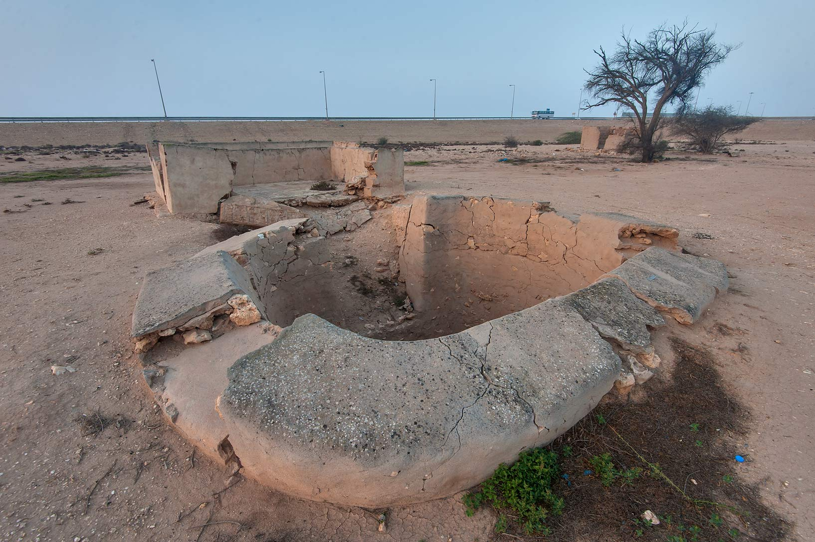 photo 156901 uwaynat bin husayn water well near simaisma